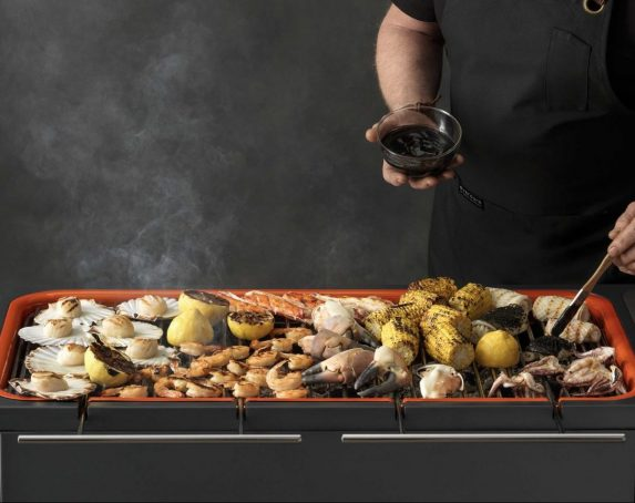 Hub grilling seafood